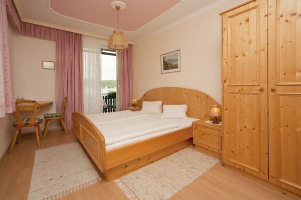 Kleiner Zimmer Kühlschrank : Hotel chassalla zimmerausstattung